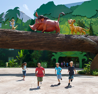 Pumba simba disney Art of Animation Resort