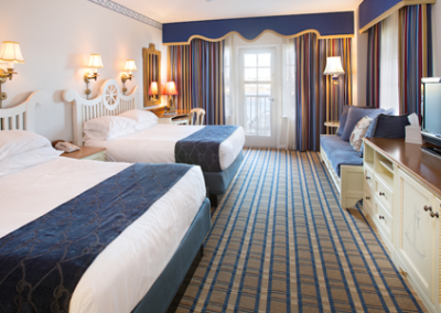 disney-yacht-club-resort-room