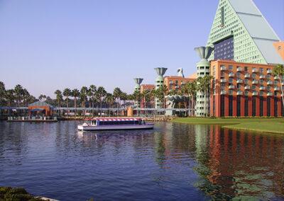 Vista lago Dolphin Resort