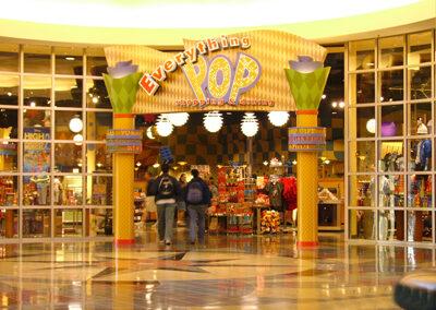 Tiendas Disney pop century resort