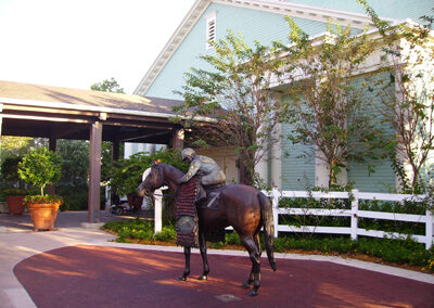 Escultura caballo Disney Saratoga Springs Resort