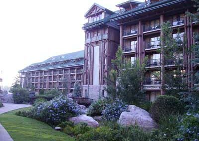 disney wilderness-lodge-exterior