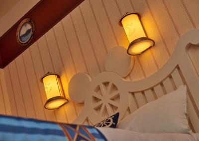 detalle cama Hotel Disney Newport Bay Club Paris