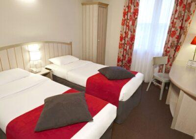 Habitacion Campanile Val de France