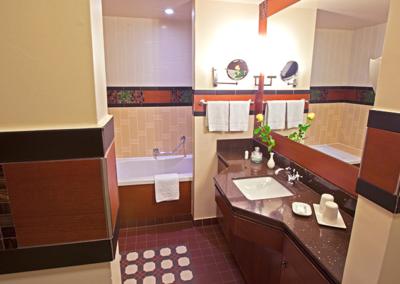 Disney Hotel Cheyenne Bathroom