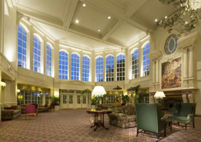 disneyland-hotel-lobby