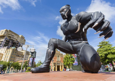 Mega Estatuas Marvel en Disneyland Paris