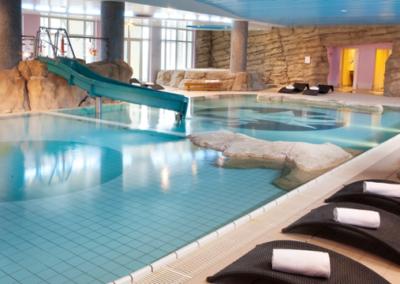 dream-castle-swimming-pool