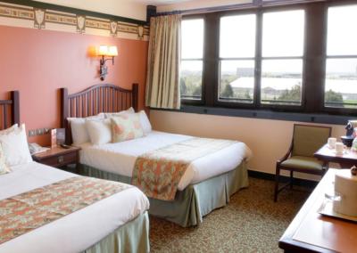 habitacion hotel Disney Sequoia Lodge Paris