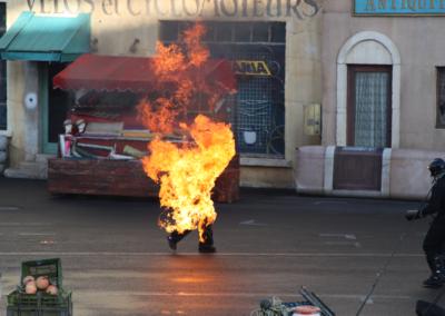 Hombre ardiendo Motor Stunt Show en Disney Studios Paris