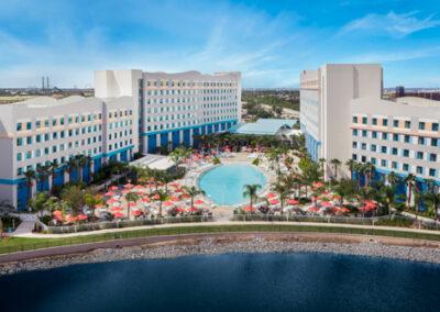 Vista aérea del hotel Endless Summer Resort Sufside en Universal Orlando