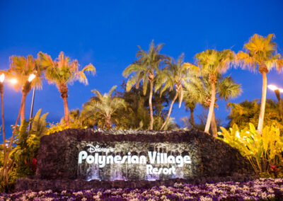 Polinesian-Village-Resort-Sign