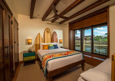 Polynesian-resort-Bora-Bora-Bungalow