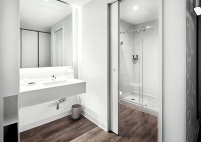 Aventura Hotel Universal Orlando Resort habitación doble bano