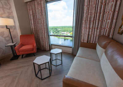 coronado-springs-tower-estandar-room-living
