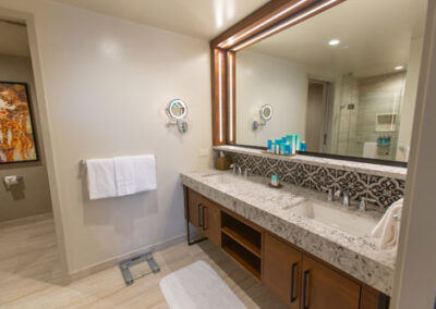 coronado-springs-tower-suite-toilet-2