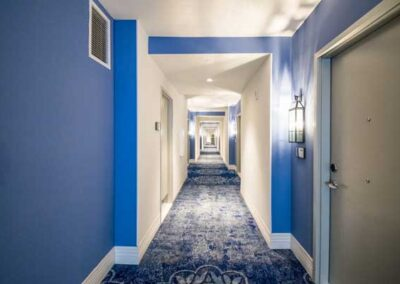 Sapphire Falls Resort Universal Orlando pasillo habitaciones