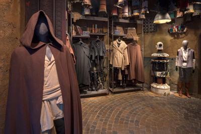 Star wars Galaxy Edge Walt Disney World Black Spire Outfitters
