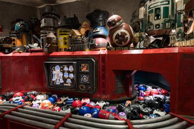 Star wars Galaxy Edge Walt Disney World Droid Depot
