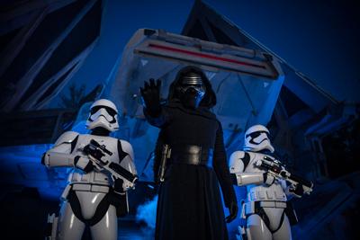 Star wars Galaxy Edge Walt Disney World Kylo Ren