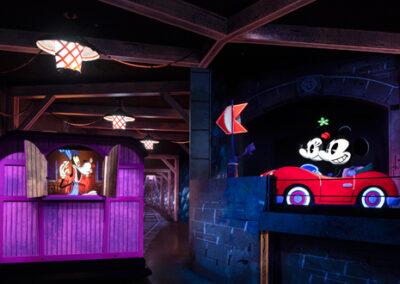 Mickey & Minnie Runaway Railway Tunnel